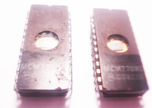 Circuito Integrado MCM2708C 8K 450NS EPROM -I09
