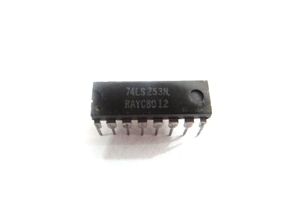 Circuito Integrado TTL 74LS253 2 Seletor/Multiplexador Dado  TTL  30