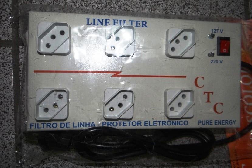 Filtro de Linha   6 Tomadas Metálico Espaçado Quadrado 47.384.6