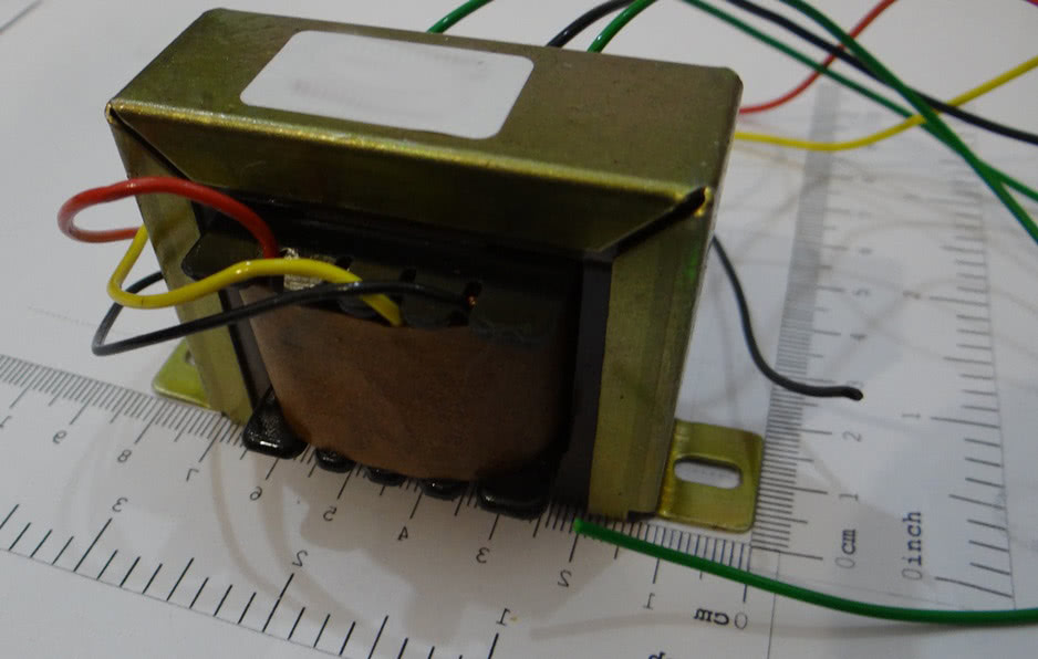 Transformador 1A 0+6V