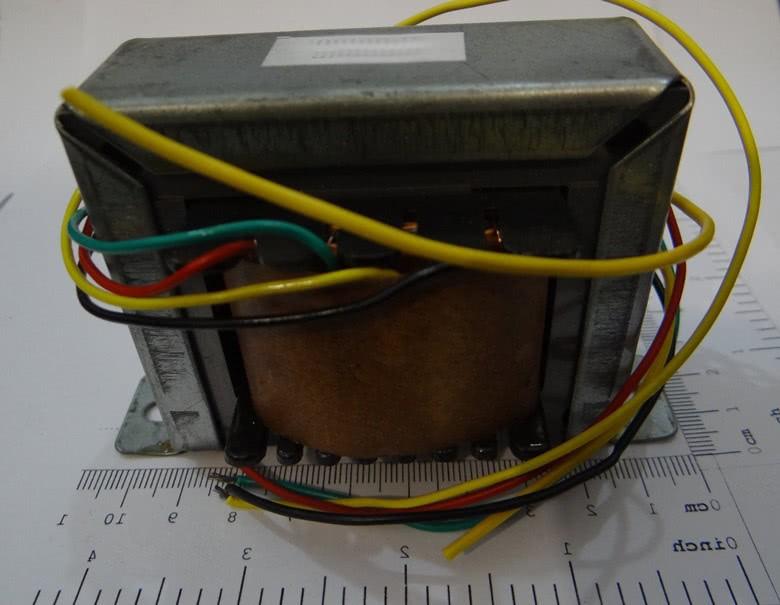 Transformador 3A 9+9V