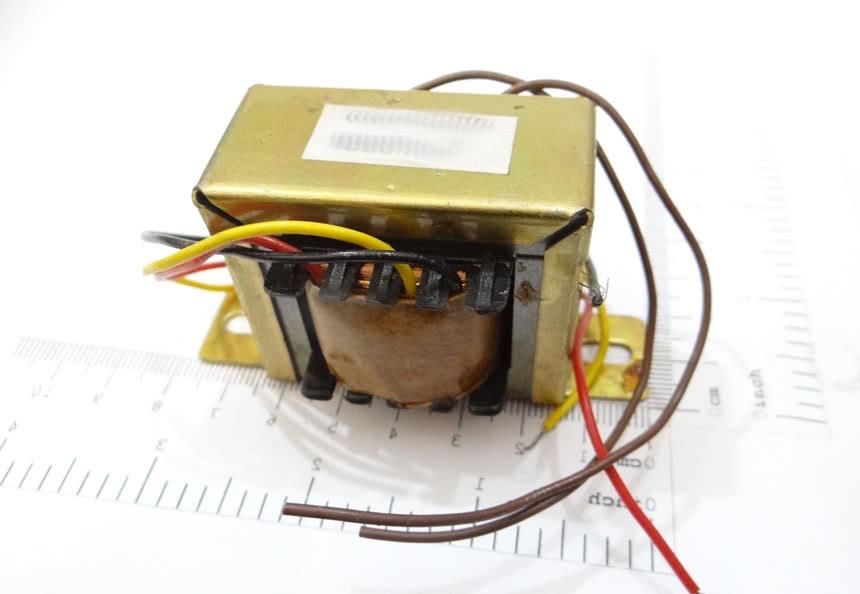 Transformador 800mA 0+12V