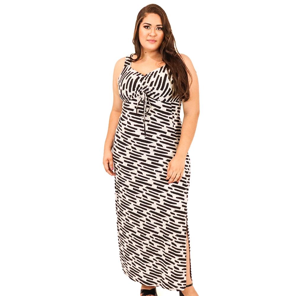 Vestido Plus Size Longo com Duas Fendas