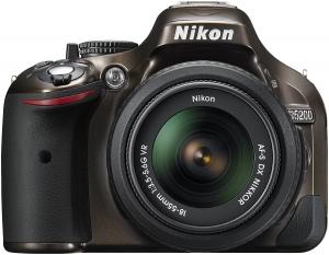 Nikon D5200 Digital SLR, com 18-55 mm,