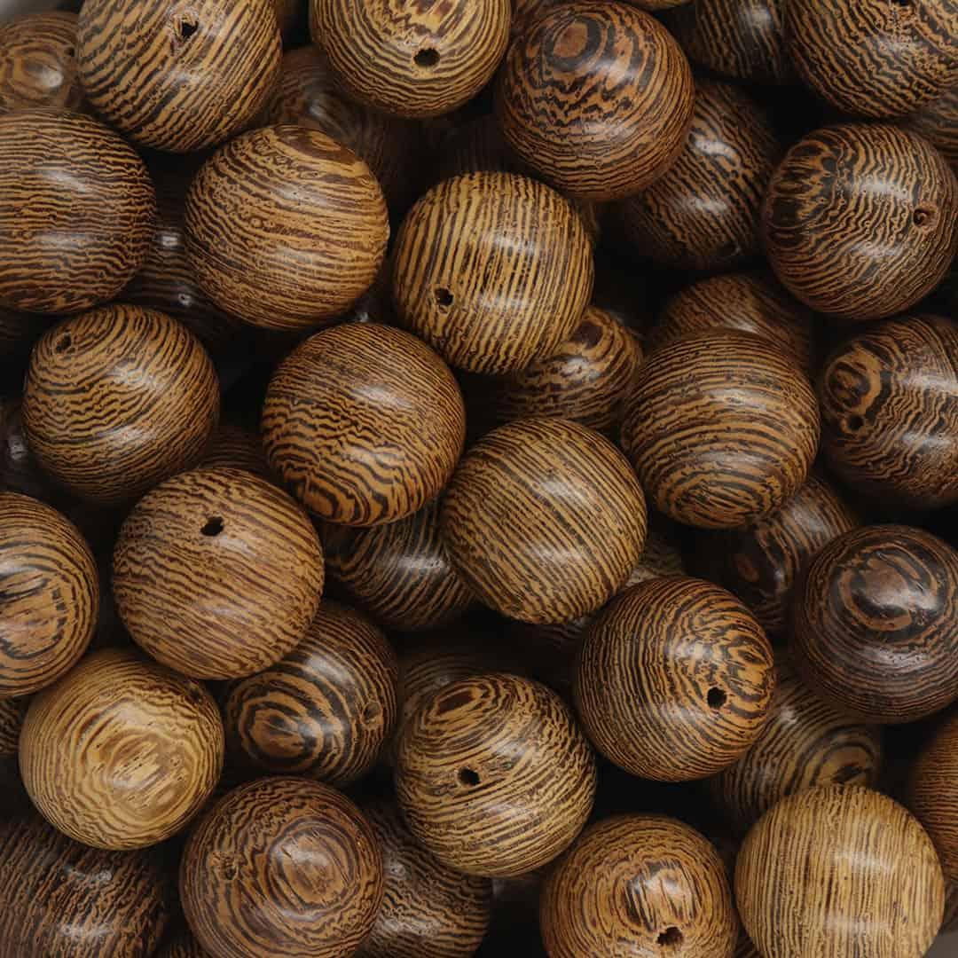 Esfera de Madeira Pinus Encerada 15mm - 50grs - CM068  - ArtStones