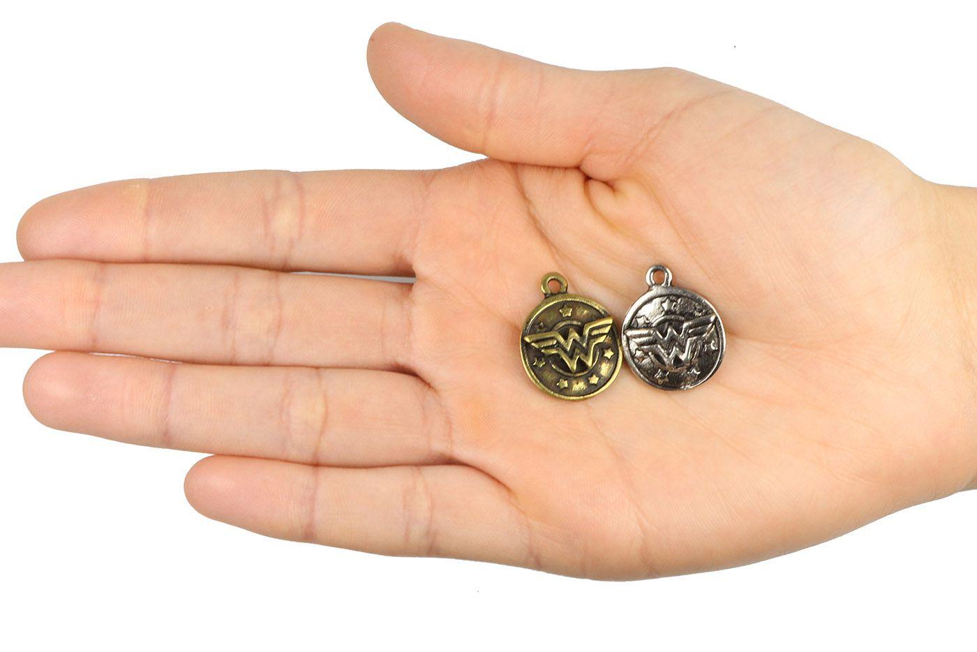 Medalha Mulher Maravilha 24mm Metal - 3 pcs - ACM_372  - ArtStones